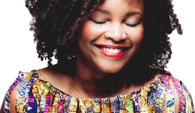 Selma Uamusse apresenta o Festival Med 2015
